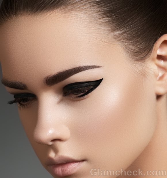 How to make your eyes look bigger eyeliner