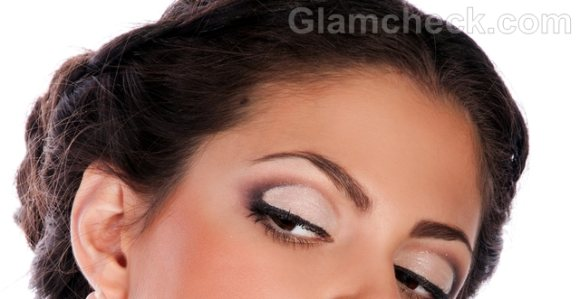 How to make your eyes look bigger makeup