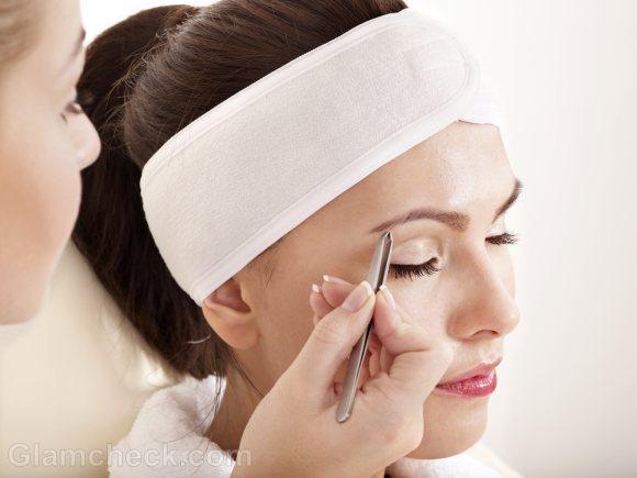 How to shape eyebrows tweezing