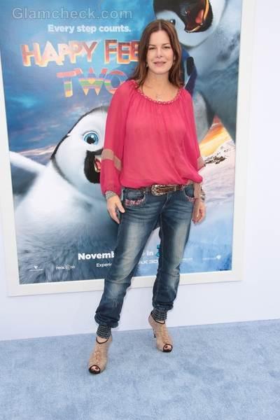 Marcia Gay Harden Wears Denims With Elasticized Hem