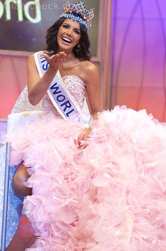 Miss-World-2011-Ivian-Sarcos-Evening-Gown-2