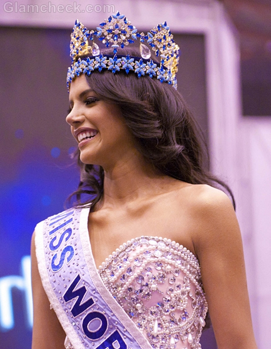 Miss-World-2011-Ivian-Sarcos-Evening-Gown
