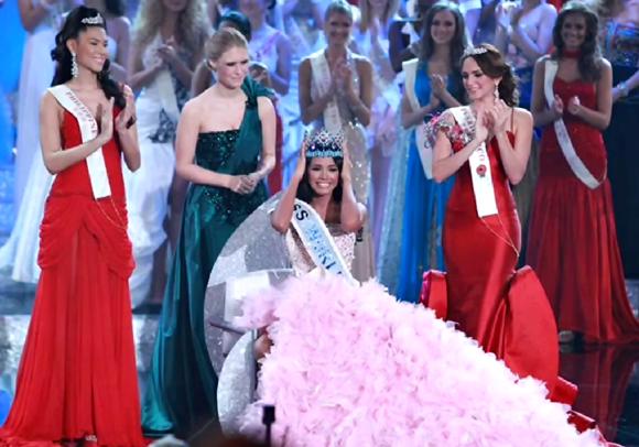 Miss World 2011 Winner  Miss Venezuela Ivian Sarcos crown