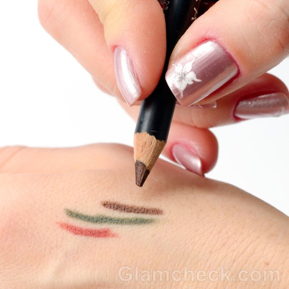 how to apply eyeliner choosing color