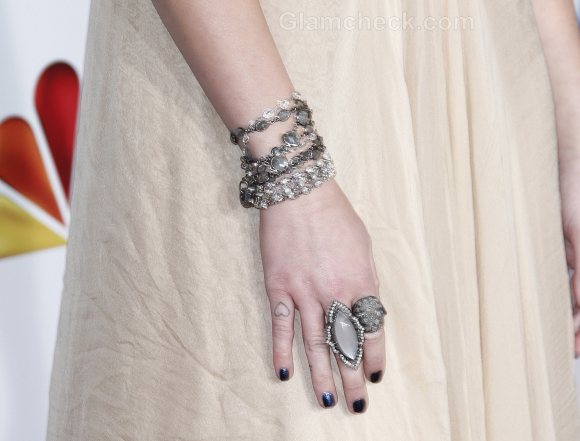 Miley Cyrus Finger Armor Rings American Giving Awards 2011