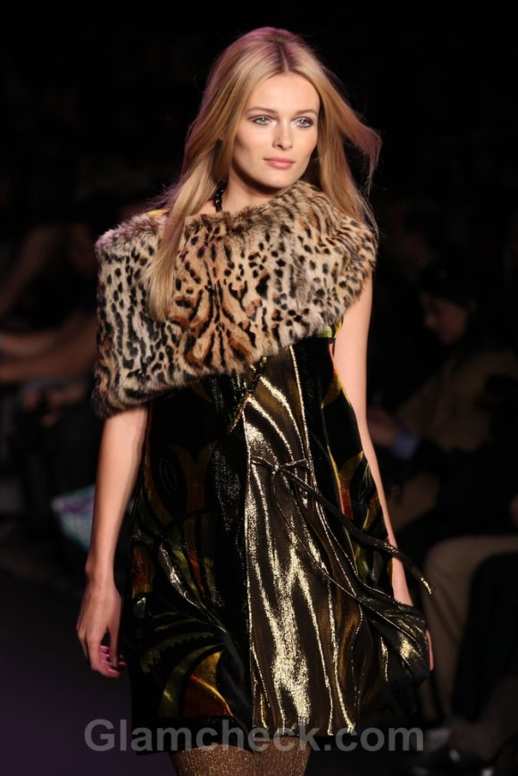 Anna Sui Leopard Print Fur Capelets style pick