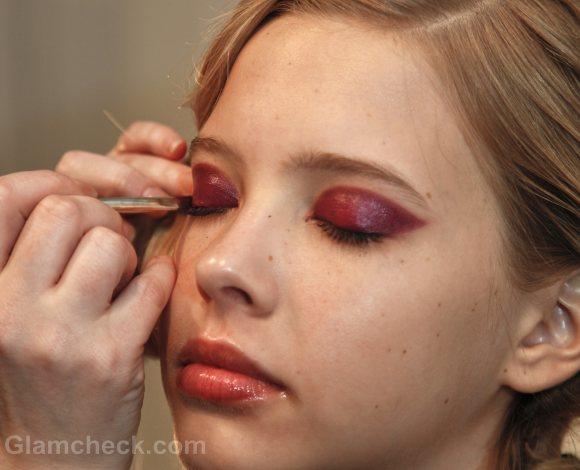 Beauty how to two-toned-bold fuschia eyes-yoana baraschi f-w 201-2