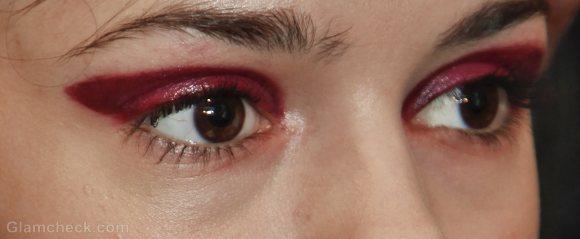Beauty how to two-toned-bold fuschia eyes-yoana baraschi f-w 2011-3