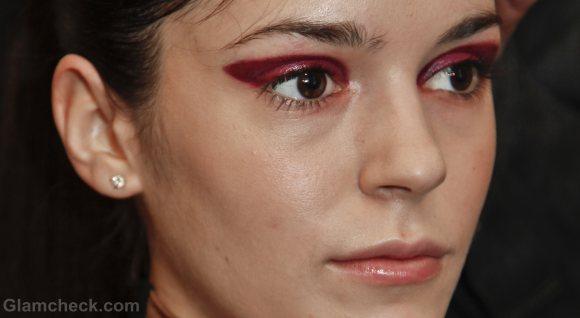 Beauty how to two-toned-bold fuschia eyes-yoana baraschi f-w 2011