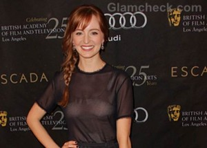 Fashion Faux Pas: Ahna O'Reilly Ruins Outfit With Wrong Bra