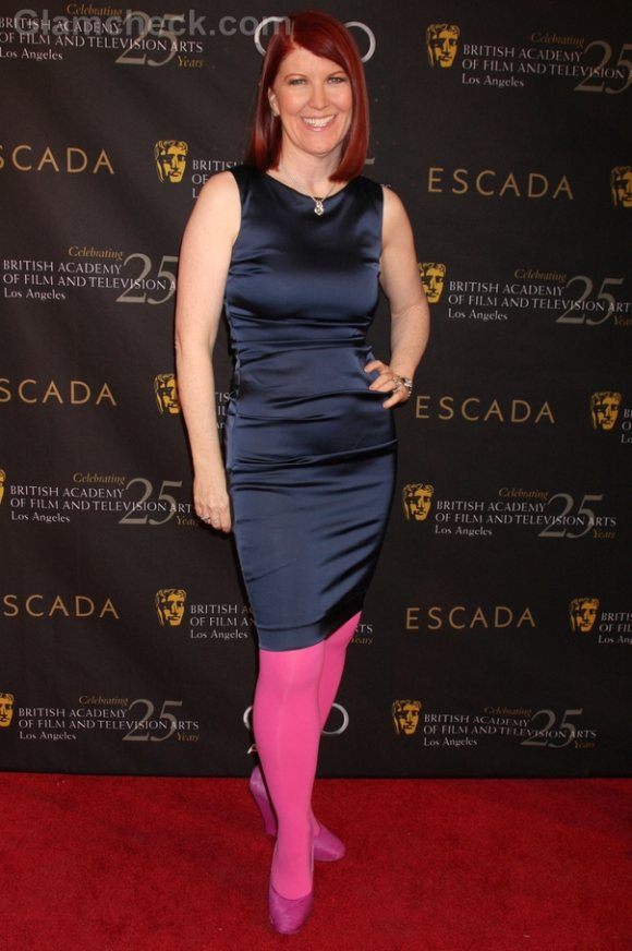 Fashion Faux Pas Kate Flannery S Color Blocking Flops At