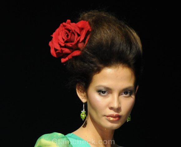 Hair Accessories Trend SS 2012 floral accessories Anna Direchina