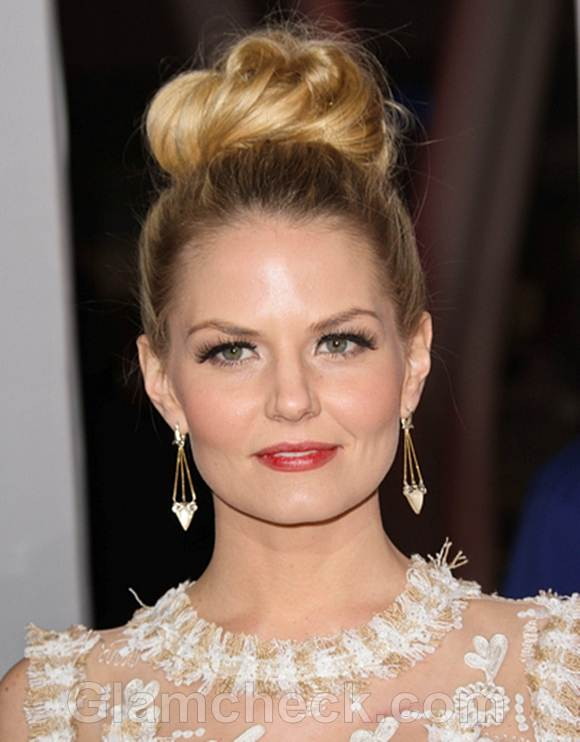 Jennifer Morrison Sports Sexy Top Knot at Peoples Choice Awards
