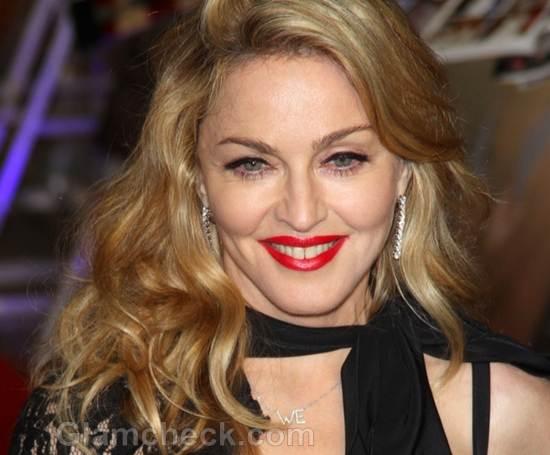 Madonna-boho chic bow tie ascot style
