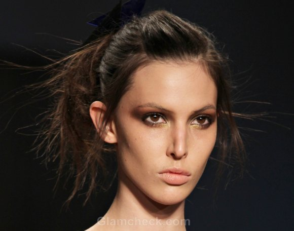 Hairstyle How To : Messy Looped Under Ponytail