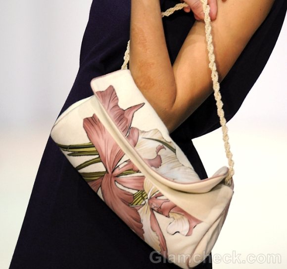 Style Pick of The Day – Handbag with Flower Print