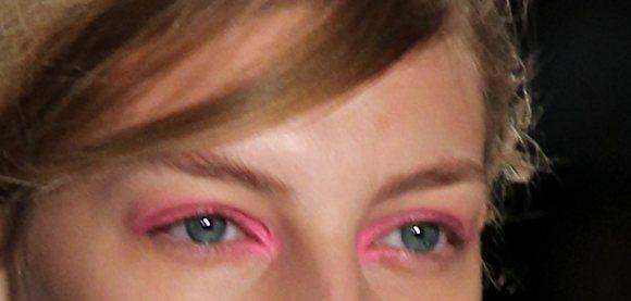 neon pink eyeshadow