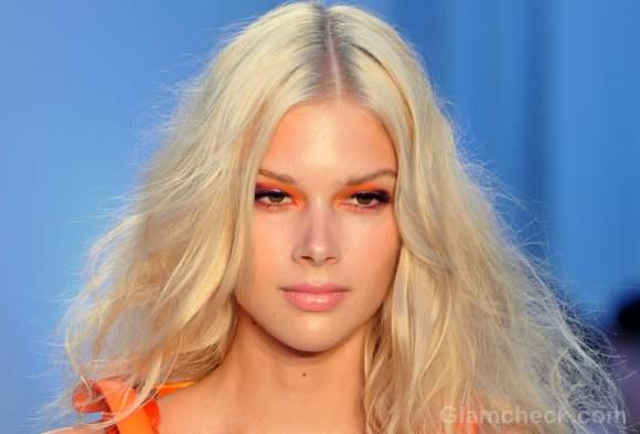 Beauty how to  purple and orange eyeshadow