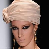 Beauty how to smokey eyes bare lips veronika basharatian s-s-2012