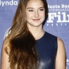 Celeb Hairstyle Shailene Woodley Sports Messy Side-swept Hair