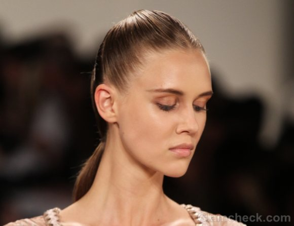 Hairstyle how to futuristic ponytail-2