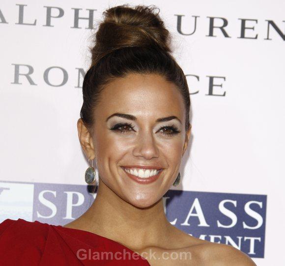 Jana Kramer sports sleek top knot hair