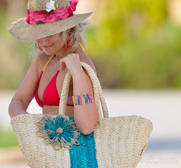 Things to pack for the beach-bags