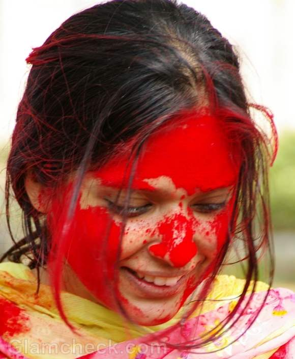 Beauty tips for playing holi