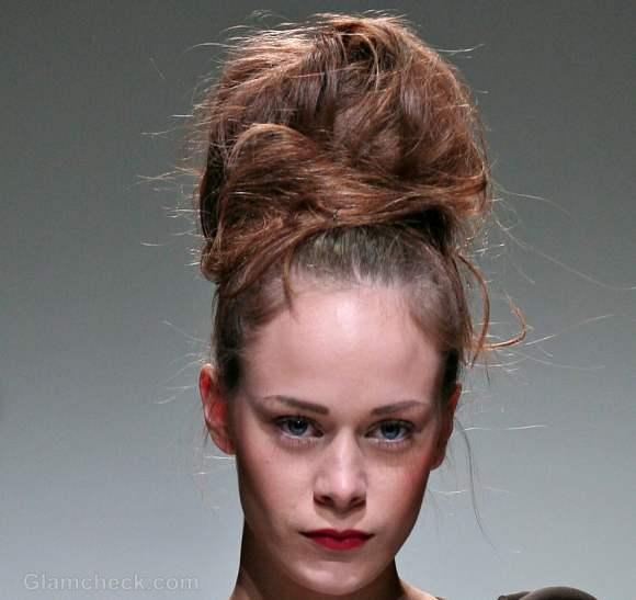 Hairstyle how to voluminous messy top bun hairdo