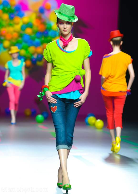 How to wear neons layered look