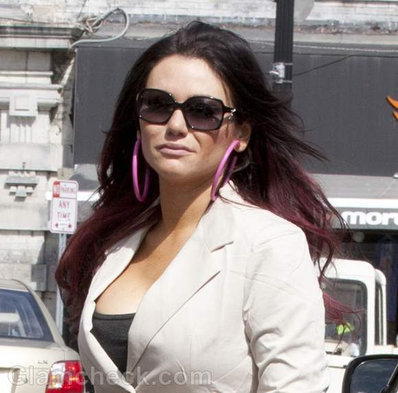 "eea983cabe1 Jenni ""JWoww"" Farley Casually Chic While Filming ""Jersey Shore"" Spinoff"