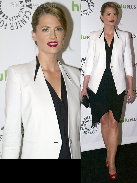 Style Inspiration white blazer Stana Katic