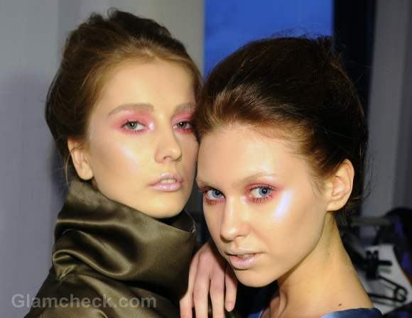 rosy-eye-makeup-how-to