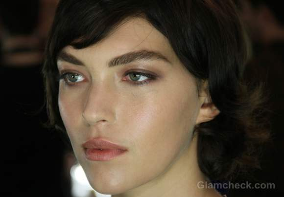 Beauty trends fall-winter 2012 bold natural eyebrows J Mendel-2