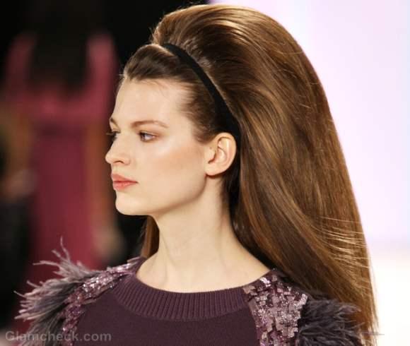 Carolina herrera fall winter 2012 subtle makeup sixties hairdo-3