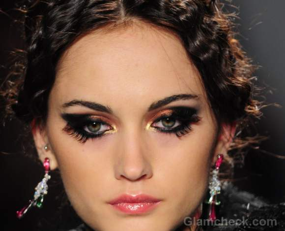 Makeup trends fall-winter 2012 two set eyelashes-2