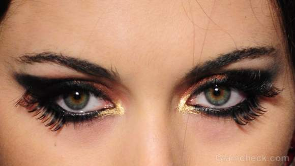 Makeup trends fall-winter 2012 two set eyelashes