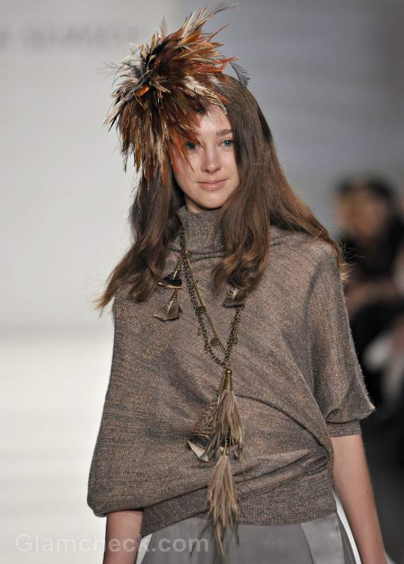 Sitka semsch fall-Winter 2012 feather accessories-4