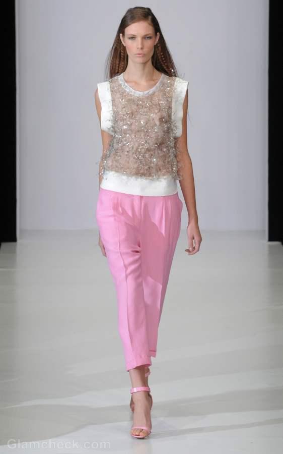 Style pick pink pants