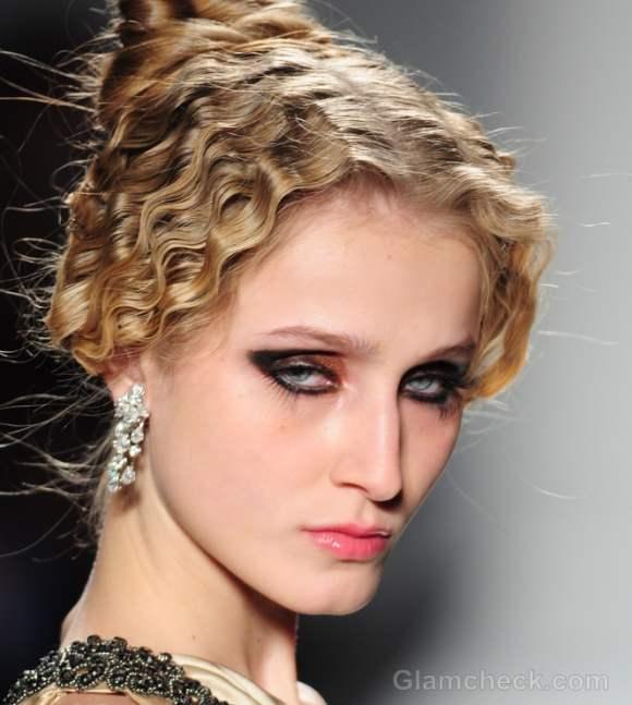 Venexiana Fall/Winter 2012: Venice-inspired Hairstyle & Makeup
