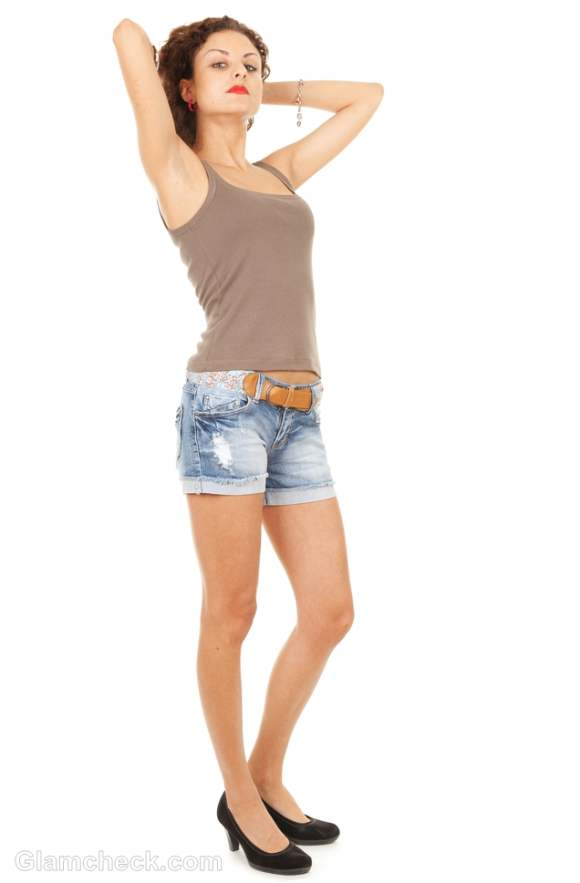 t-shirts to wear with denim shorts-2