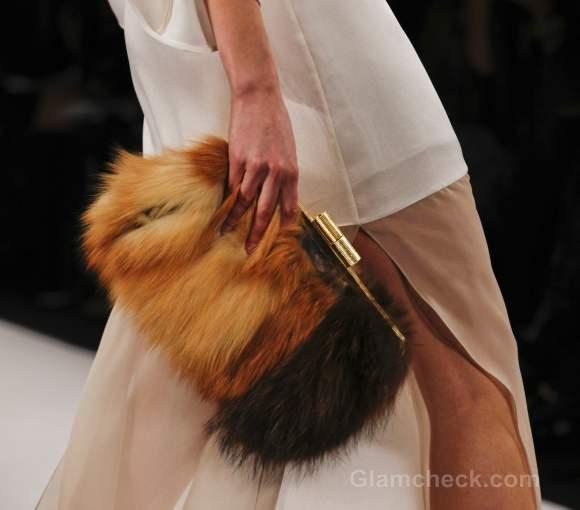 Accessories trend fall-winter 2012 fur bags max azria