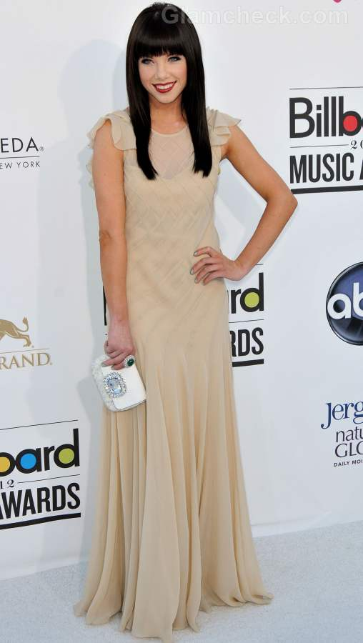 Celebrity gowns at 2012 billboard music awards carly rae jepsen