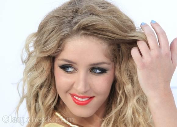 Esmee Denters tangerine lipstick
