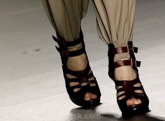 Footwear trends fall-winter 2012 ankle strap-heel-María Barros