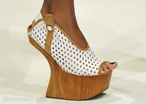 Footwear trends fall-winter 2012 wooden-wedges-Dima Neu