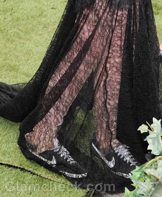Kristen Stewart black marchesa gown-2