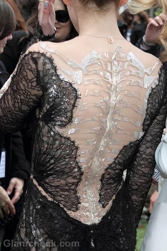 Kristen Stewart black marchesa gown-3