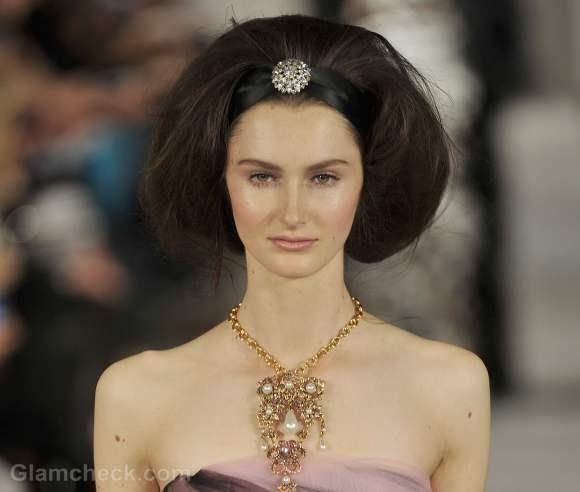 Oscar de la renta fall-winter 2012 vintage hair accessories-5