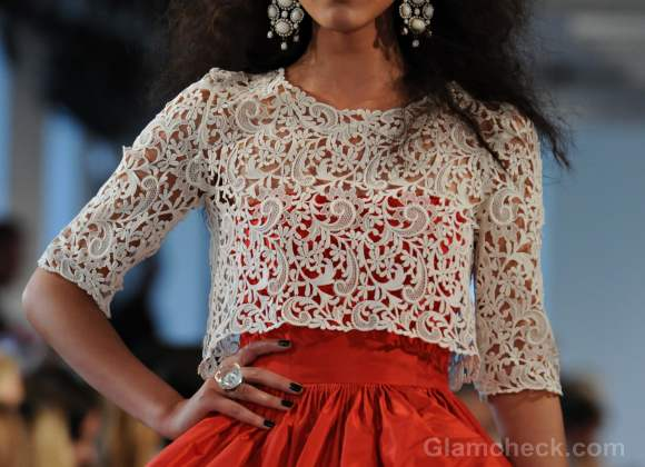 Style pick white lace cropped top-Oscar De La Renta Spring-Summer 2012